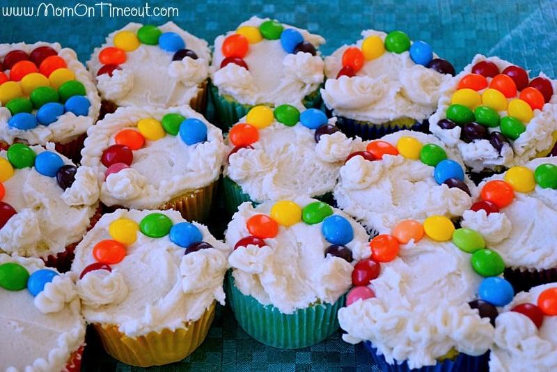 Taste-the-rainbow-cupcakes