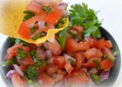 Copycat Chipotle's Pico de Gallo Salsa | MomOnTimeout.com #copycat #salsa #recipe