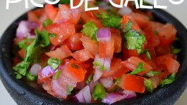copycat-chipotle-pico-de-gallo-salsa-recipe