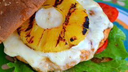 Teriyaki-pineapple-turkey-burgers-recipe-dole