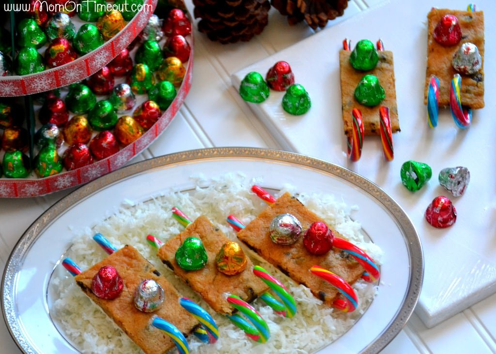 Jingles Christmas Tree and Cookie Sleds | MomOnTimeout.com #Christmas #recipe #craft #HolidayCandy