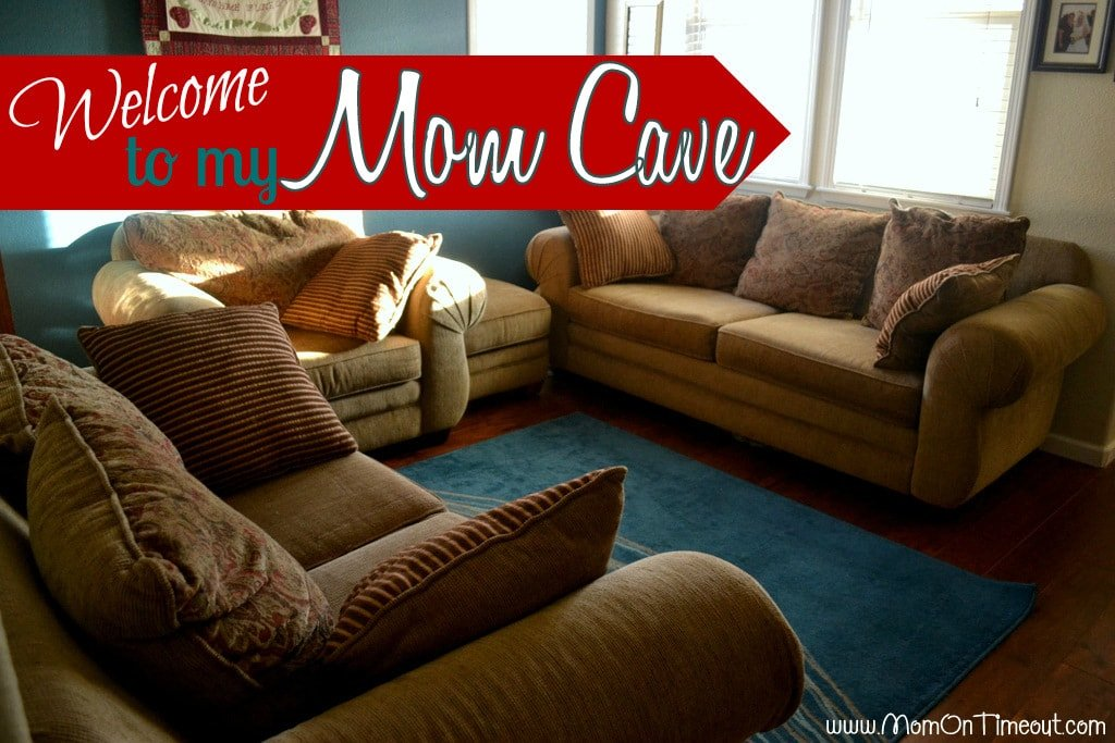 Living Room #MomCaves-001