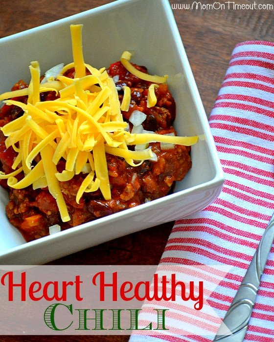 Heart-Healthy Slow Cooker Chili   MomOnTimeout.com #recipe #soup #chili