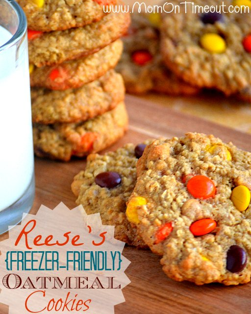 Reese's Freezer-Friendly Oatmeal Cookies | Mom On Timeout - Chewy, chunky, and just downright delicious!  #cookies #recipe #Reeses