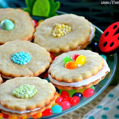 Marshmallow Berry Flower Cookies for Easter!