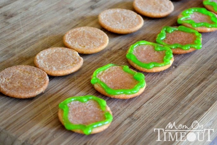 Nilla-Wafers-with-green-icing-lettuce