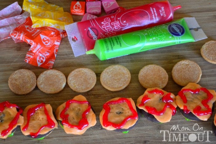 ketchup-frosting-layer-cookie-sliders