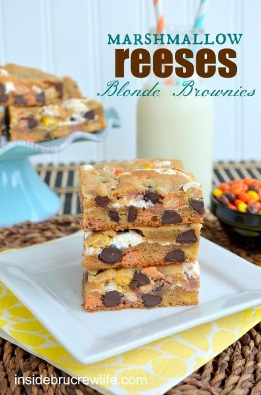 Marshmallow-Reeses-Blonde-Brownies-title