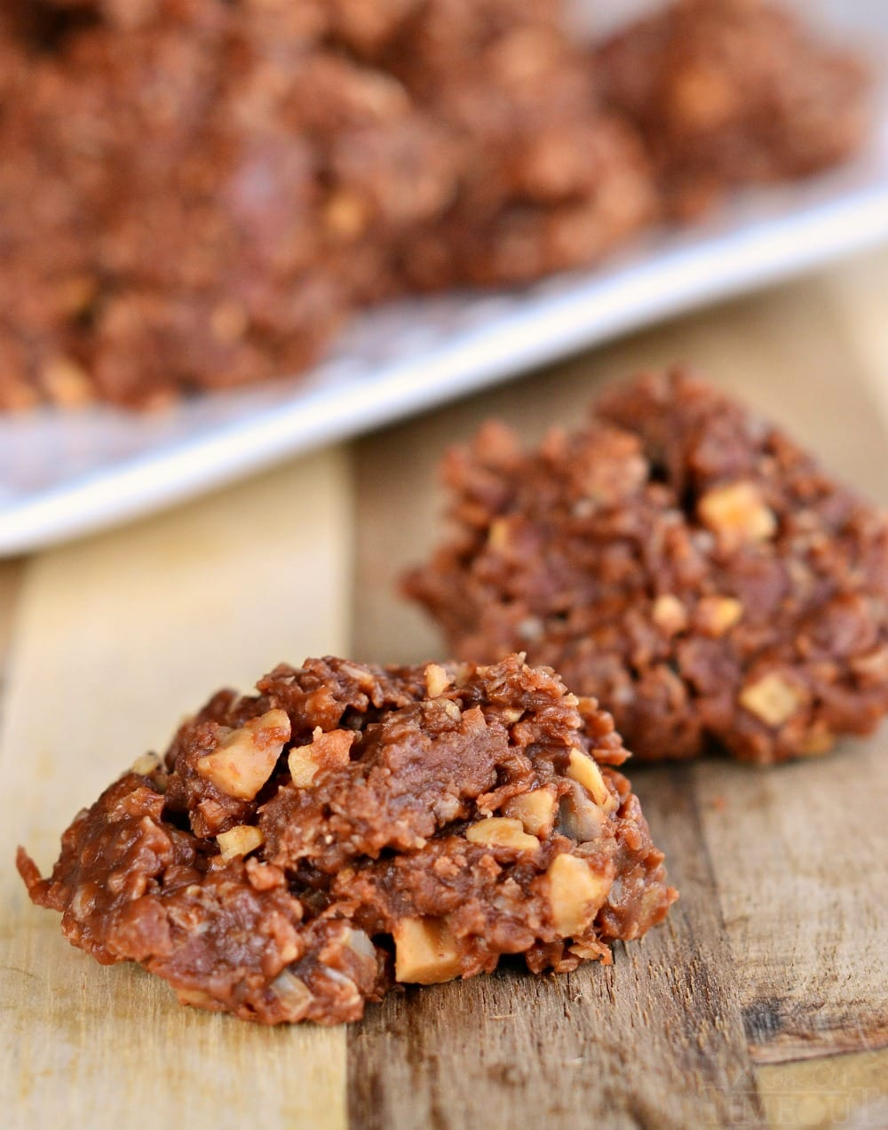 easy-no-bake-cookies-chocolate-toffee-oats