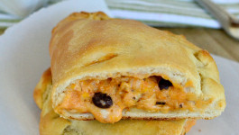Southwest Chicken Calzones – Easy Back to School Dinner Idea!