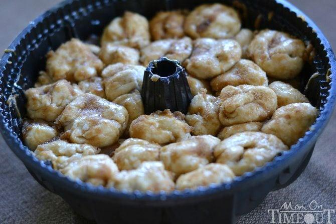 Caramel Apple Monkey Bread from MomOnTimeout.com #caramel #apple