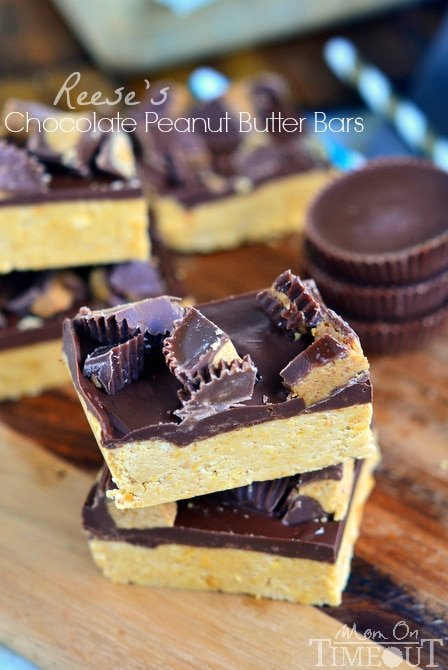 Satisfy your chocolate and peanut butter cravings in less than 30 minutes with these Reese's Chocolate Peanut Butter Bars! | MomOnTimeout.com
