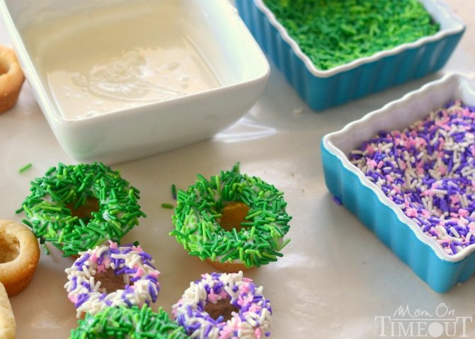 Easter Basket Cookie Cups | MomOnTimeout.com