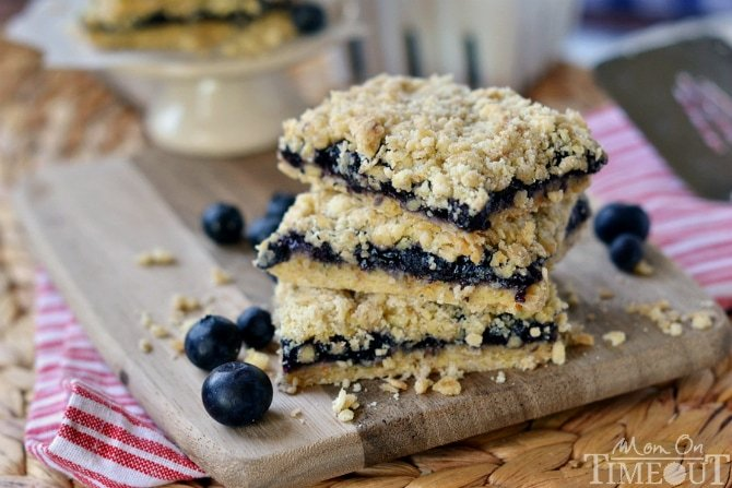 Blueberry Pie Oatmeal Crumble Bars - only FOUR ingredients!   MomOnTimeout.com