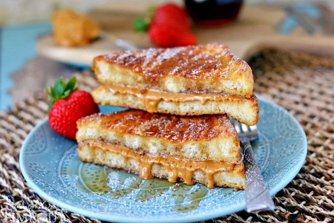 ... breakfast. Peanut Butter Stuffed French Toast. | MomOnTimeout.com