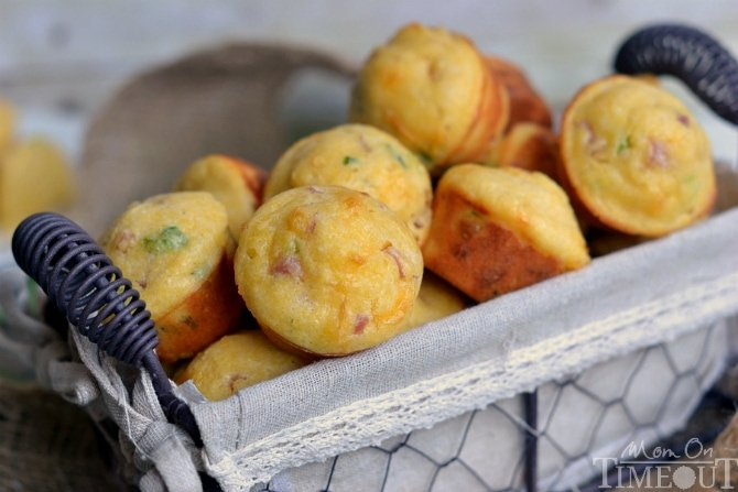 Mini Cornbread Muffins images