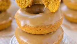 Baked Pumpkin Spice Donuts with Maple Glaze