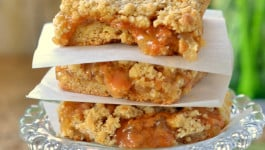 caramel-apple-crumble-bars-recipe