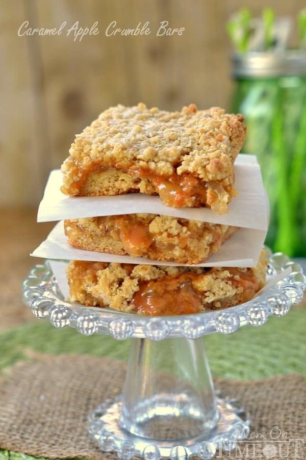 Easy Caramel Apple Crumble Bars | MomOnTimeout.com | #caramel #apple #dessert #recipe