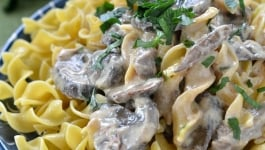 slow-cooker-beef-stroganoff-recipe