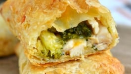 cheesy-chicken-and-broccoli-puffs