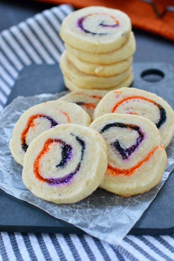 These Halloween Spiral Slice and Bake Cookies are the perfect, easy treat for your Halloween celebrations! | MomOnTimeout.com | #recipe #cookies #Halloween