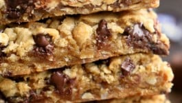 peanut-butter-snickers-chocolate-chip-cookie-bars-recipe-text