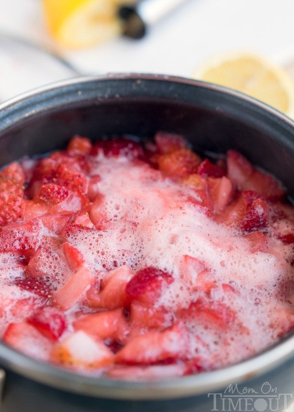 homemade-strawberry-ice-cream-topping-cooking