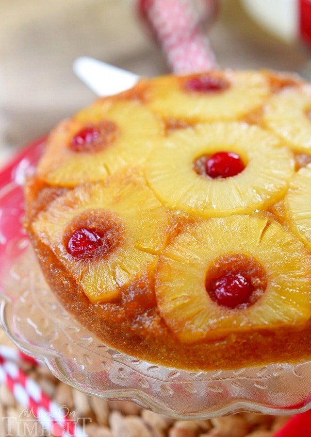 Stay cool this summer with this Microwave Pineapple Upside Down Cake! In just 10 minutes, you and your family can be enjoying this gorgeous cake - straight from your microwave! The PERFECT easy dessert recipe! | MomOnTimeout.com |