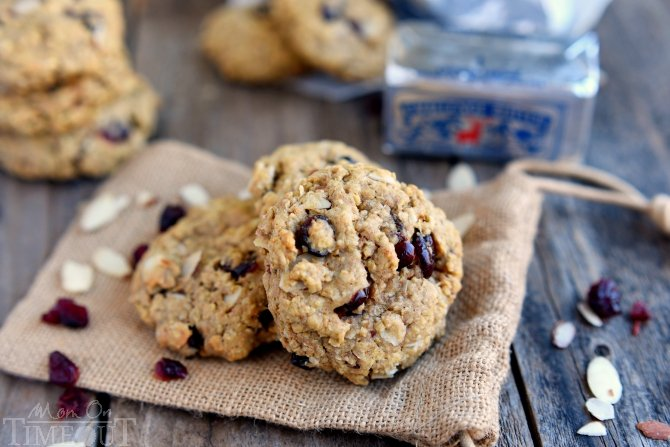 cranberry-almond-breakfast-oatmeal-cookies-recipe