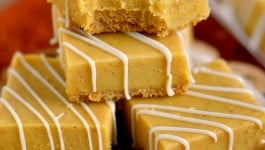 White Chocolate Pumpkin Pie Spice Fudge