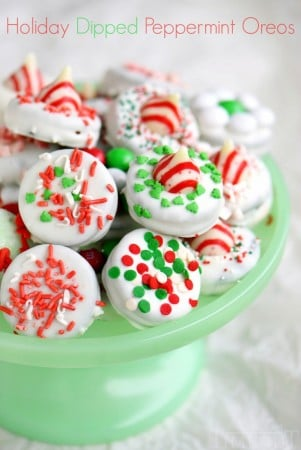 holiday-dipped-peppermint-oreos