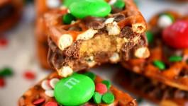 Reese's Holiday Pretzel Bites