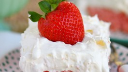 Easy Strawberry Pineapple Cake