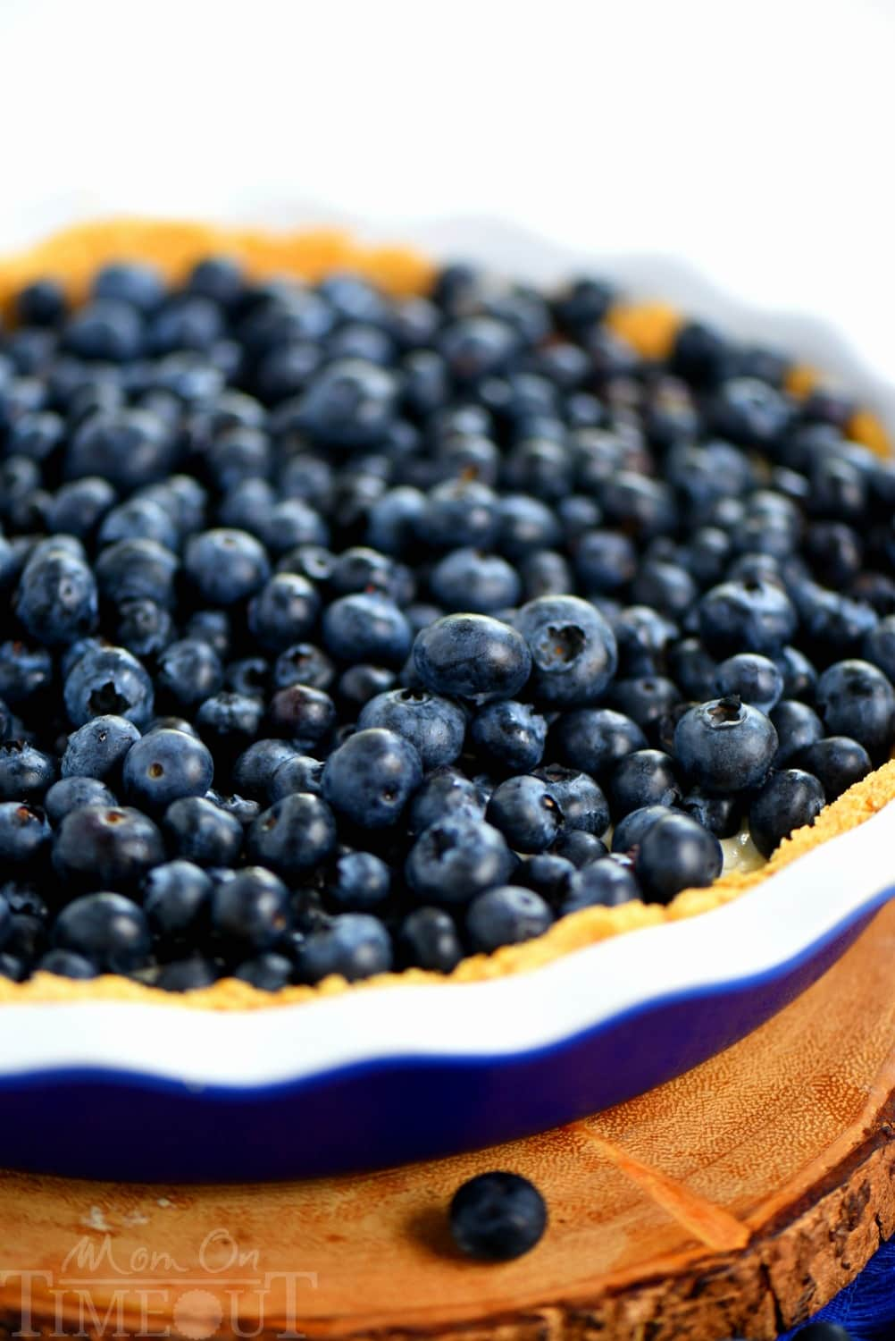 wow your taste buds with this easy No Bake Blueberry Lemon Cream Pie ...