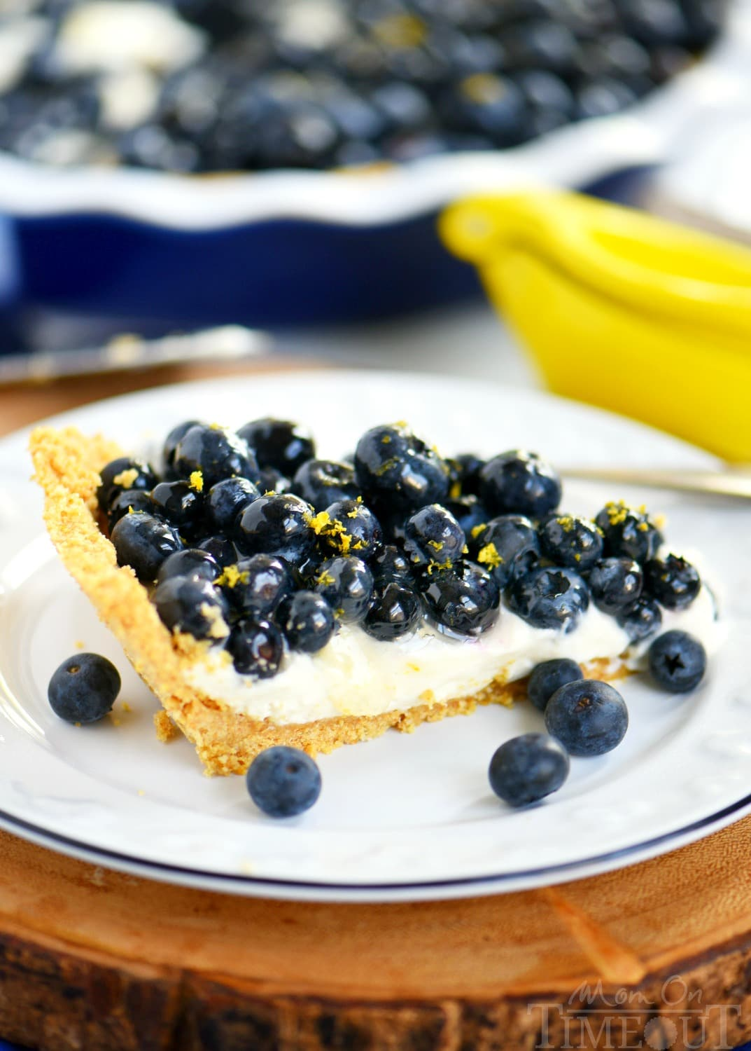 cream-pie-lemon-fresh-blueberries-side-profile