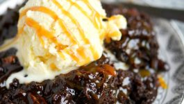 Slow Cooker Hot Fudge Turtle Brownies