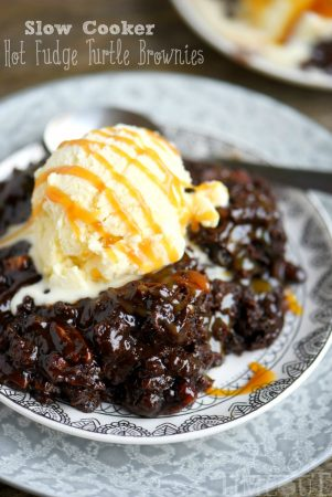 slow-cooker-turtle-brownies-caramel-title