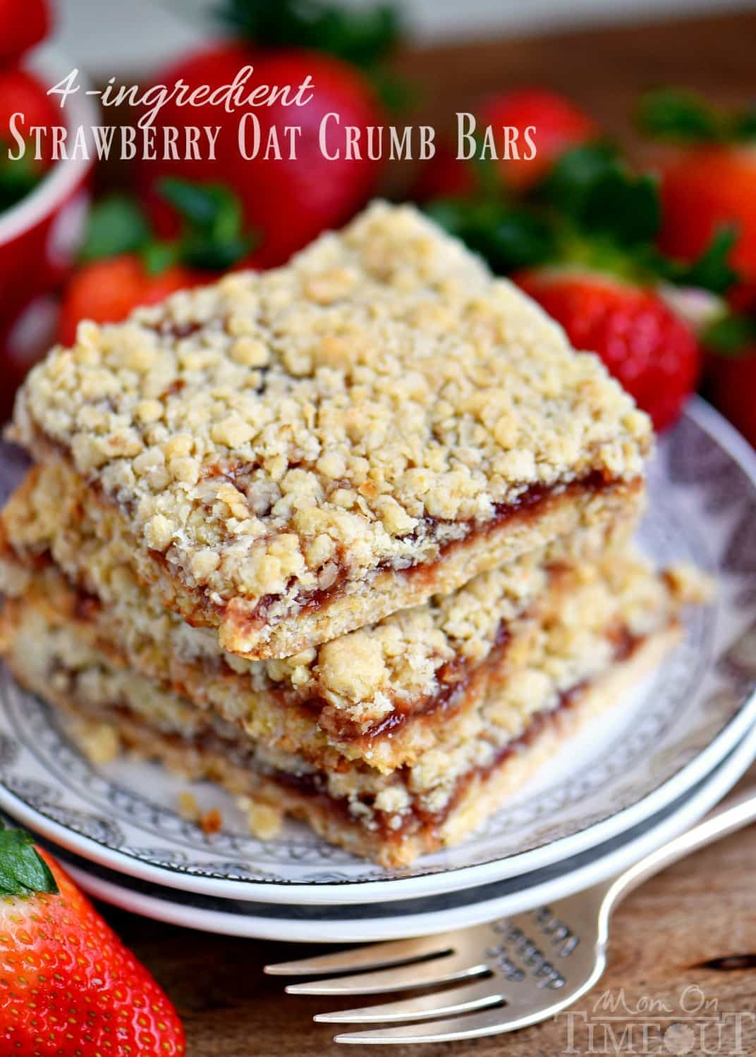 Dessert has never been easier or more delicious than with these 4 Ingredient Strawberry Oat Crumb Bars! Serve warm with ice cream for an exceptionally delicious treat! // Mom On Timeout