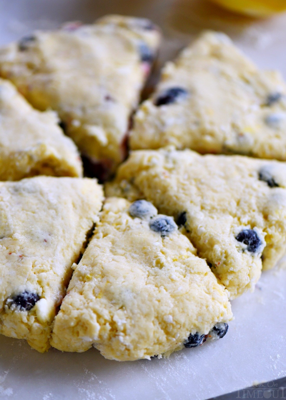 emon-blueberry-scones-fresh-blueberries-disc
