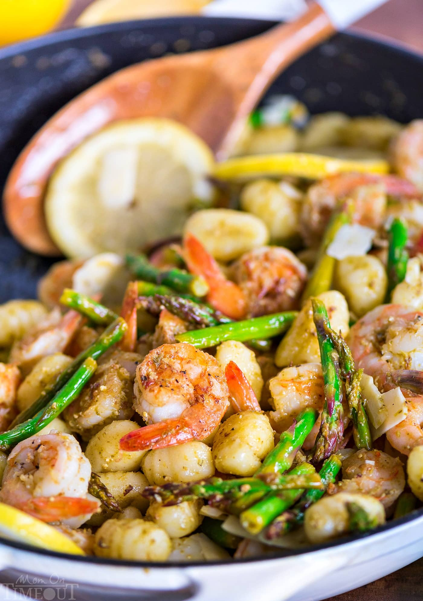 shrimp-recipe-asparagus-pesto-gnocchi