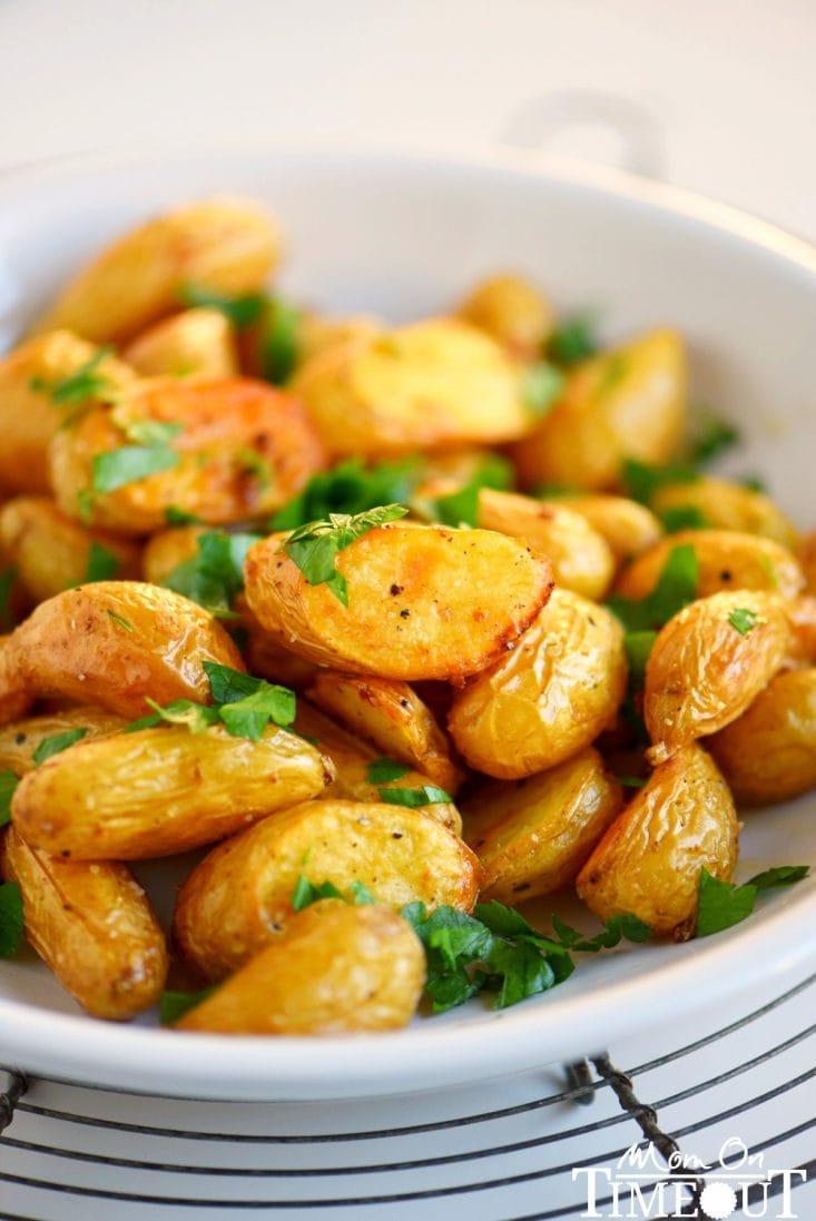 oven-roasted-potatoes-garlic