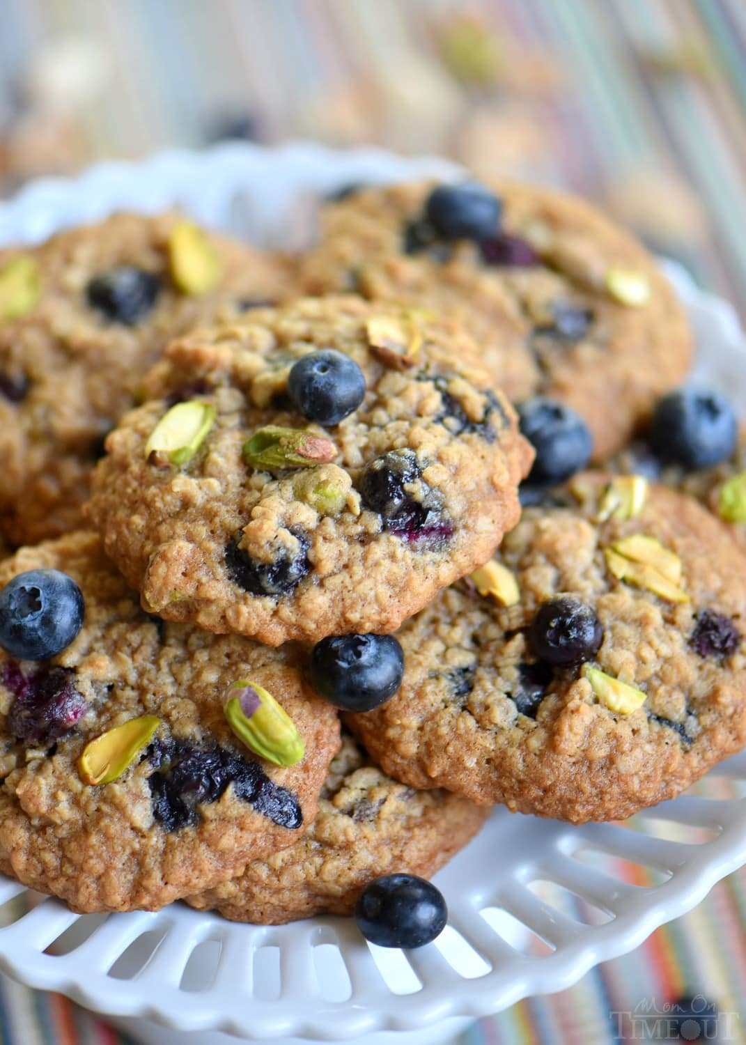 blueberry-pistachio-oatmeal-cookies-recipe