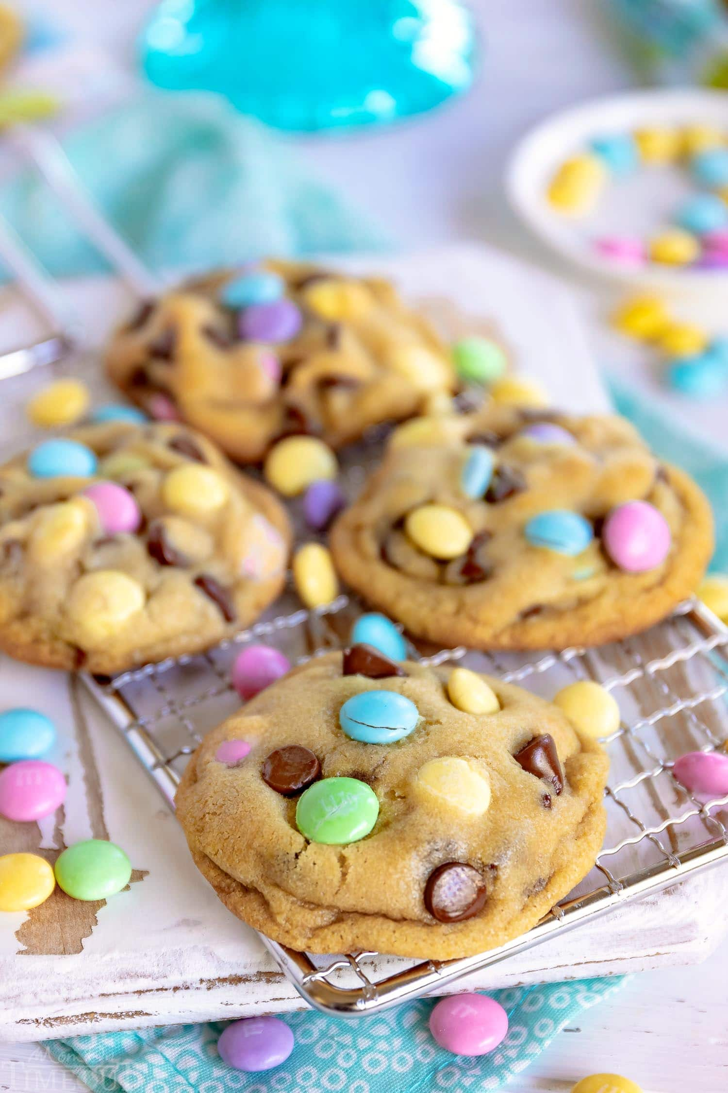 chocolate-chip-cookies-easter-rack