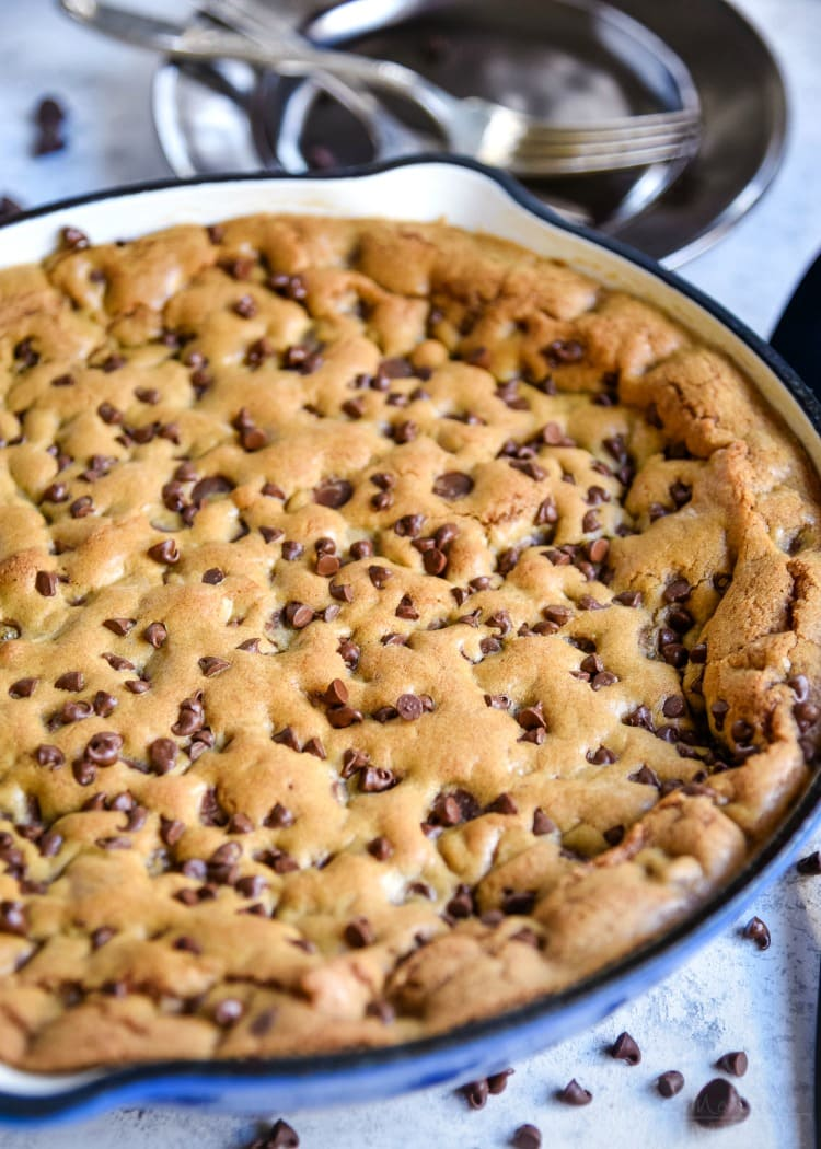pizookie recipe chocolate chip skillet cookie in blue cast iron