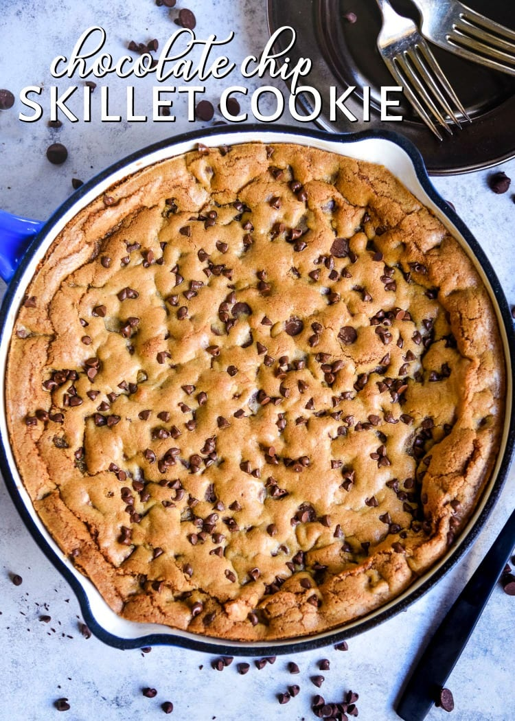 pizookie skillet cookie chocolate chip in cast iron skillet title