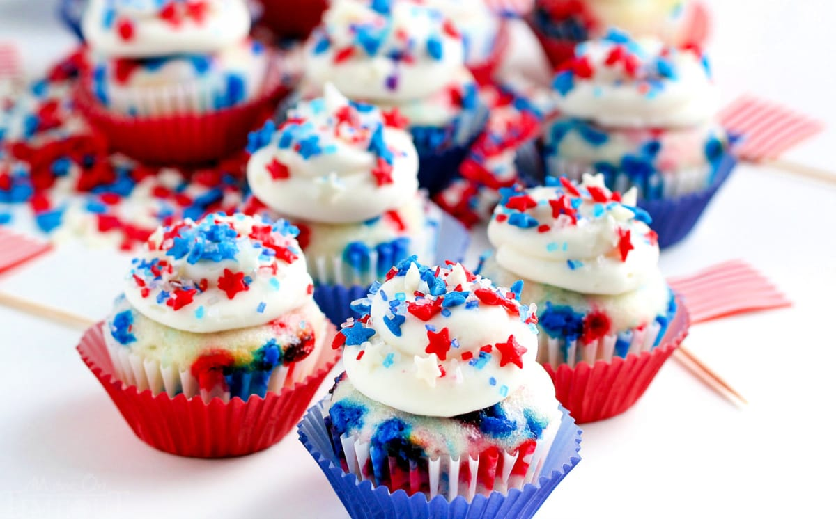 mini vanilla cupcakes decorated for 4th of july